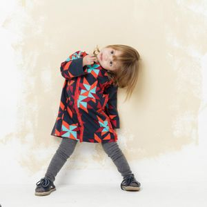 roupa-infantil-vestido-menina-aborigenes-azul-escuro-modelo1-green-by-missako-G5704352-770